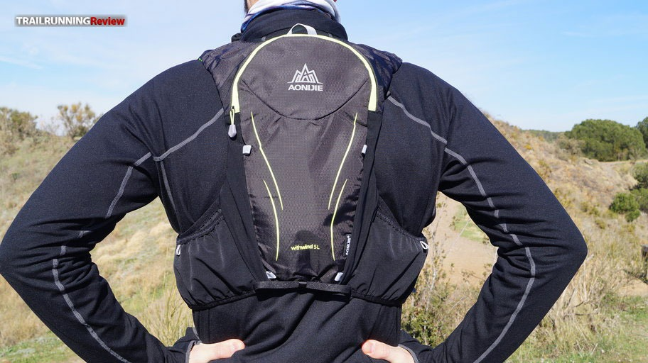 TRAIL RUNNING REVIEW: TOP 10 MOCHILAS MEDIA DISTANCIA 2018/19